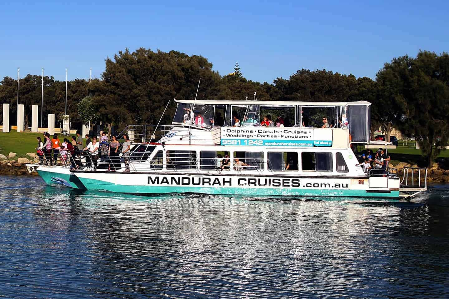 Mandjar - The ultimate boat for sundowners and parties