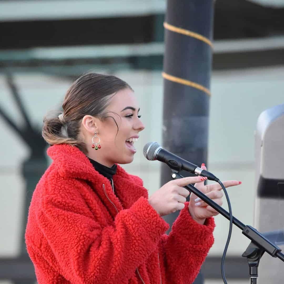 Shannon White - Christmas Lights Cruise Performer